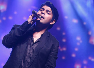 Ankit Tiwari stage performance